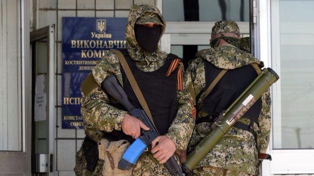 Проросійські бойовики у Костянтинівці, квітень 2014 року